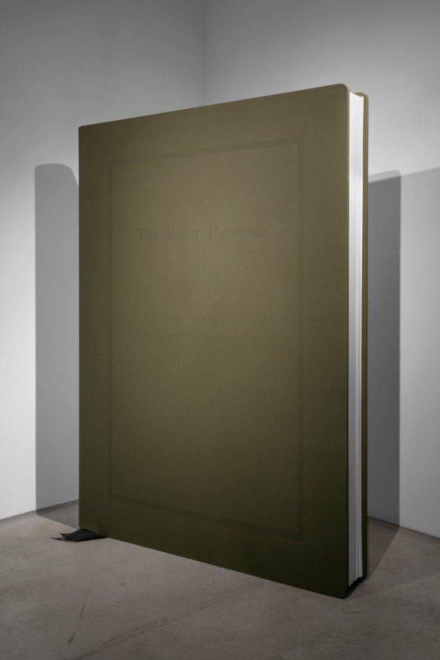 Lars Morell: The Spirit Paintings, 2013. Shellac på bomuld lærred, træ, papir, 140x105x14 cm. På Epiloger, KANT. Foto: Lars Morell