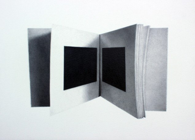 Rune Elgaard: Sort bog (74), 2014. Blyant på papir, 29,7x42 cm. På Epiloger, KANT. Foto: Lars Morell