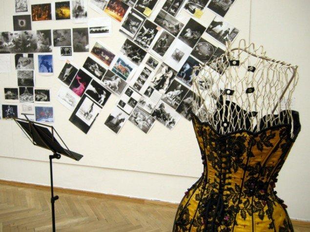 Kostume og storyboard fra hesteoperaen Rosita Clavel, 1992-. Foto: Kristian Handberg.
