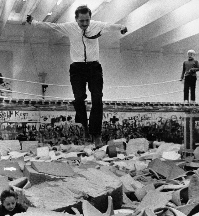 Olof Palme hopper i Modellen, 1968. Foto: Ake Malmstrom / Scanpix.