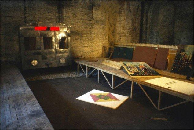 Ilya & Emilia Kabakov: Not Everybody Will Be Taken Into The Future (2001), skabt til den 49. Venedig Biennale. Del af samlingen på MAC Museum i Wien. Courtesy of Ilya & Emilia Kabakov & Sprovieri Gallery. Foto: Emilia Kabakov.