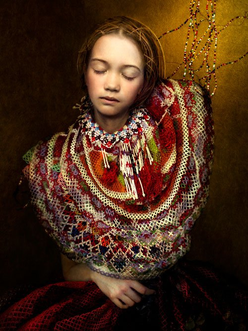 Cooper and Gorfer: Ena with Pearl Collar, 2014. Pressefoto.