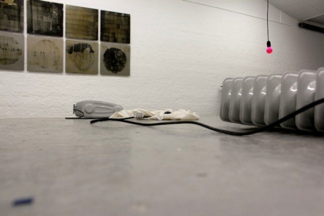 Detalje fra Nanna Lysholt Hansens udstilling Dear Mary (steel), 2014 på Ringsted Galleriet frem til den 14. dec. Foto: Nanna Lysholt Hansen