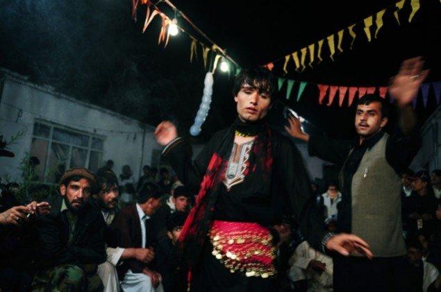 Barat Ali Batoor: Untitled (Bacha Baazi). (Pressefoto)