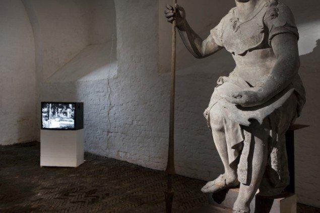 Installationsview af Kristina Kvalviks videoinstallation The Story of a Garden på udstillingen Skilsmissen, 2014 frem til 21. dec. Foto: Erling Lykke Jeppesen