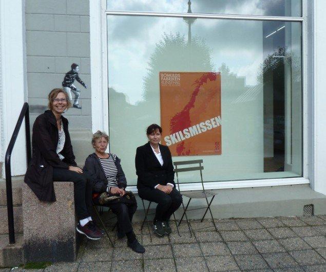 Kuratorerne Siri Kollandsrud, Britt Smelvær og Nina Kleivan. Foto: Harald Solberg
