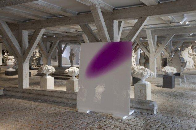Installationsview af Mads Gamdrups fotoværk Color Noice på udstillingen Skilsmissen, 2014 frem til 21. dec. Foto: Erling Lykke Jeppesen