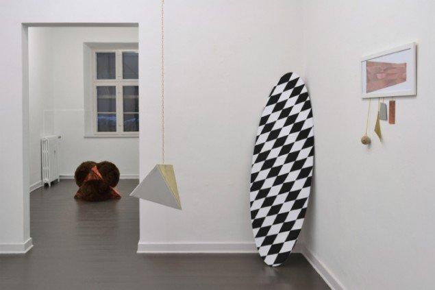 Udstillingsview med værker af Louise Sparre. På Artist's Choice, Marie Kirkegaard Gallery. Pressefoto