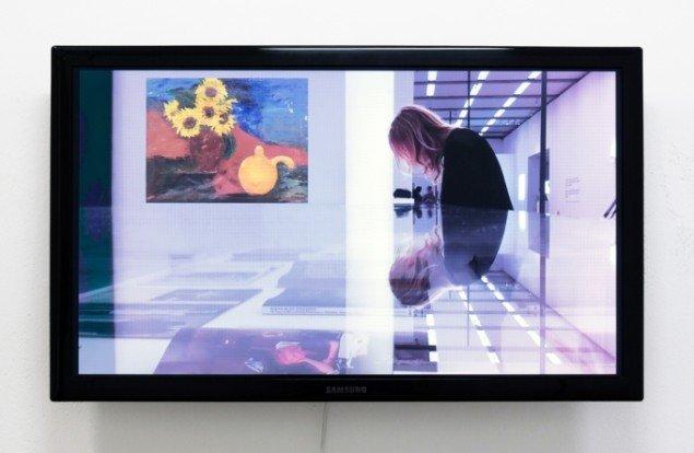 Merete Vyff Slyngborg i samarbejde med Søren Aagaard: A Poem A Cut, 2014. HD video, 30 min. På A Perhaps Tasteful Image, GREEN IS GOLD. Foto: Søren Aagaard