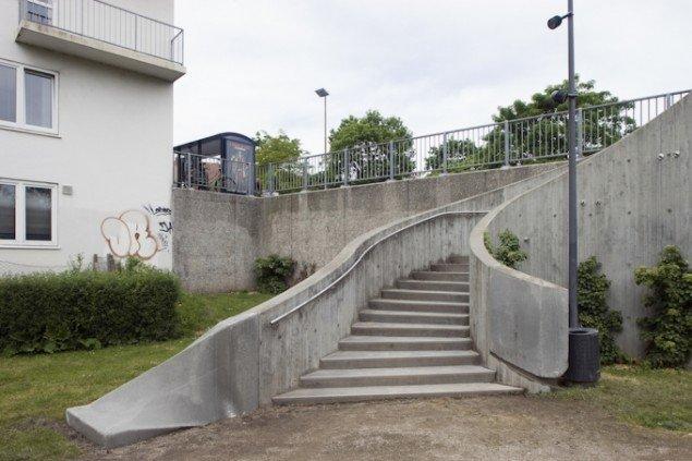 Den kedelige betontrappe fra Albanigade til Eventyrhaven fik i 2008 en uforudsigelig om-modellering. Pressefoto.