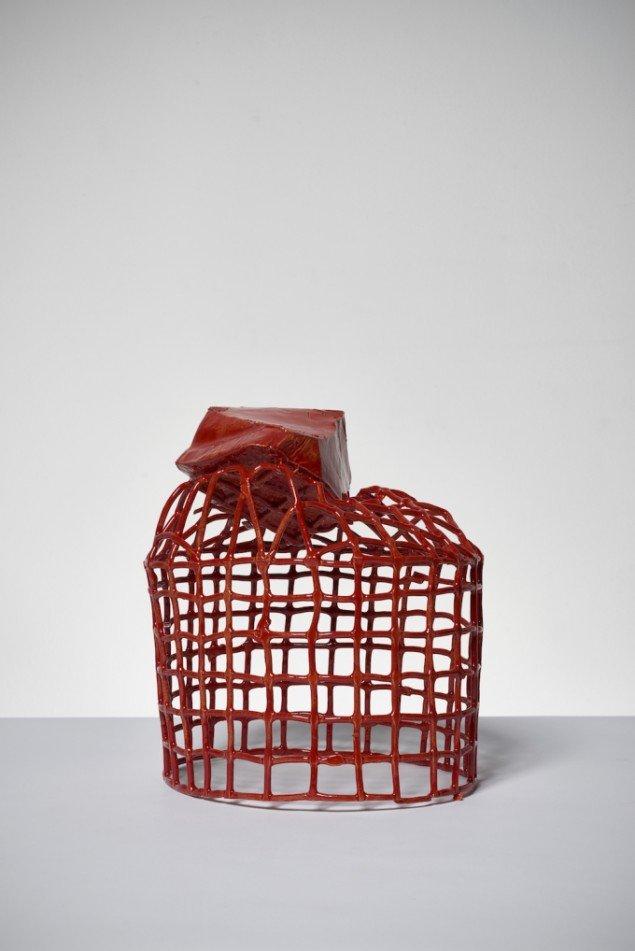 Esben Klemann: Uden titel, 2014. Rødglaseret stentøj, 31x25x25 cm. Foto: Pernille Klemp.