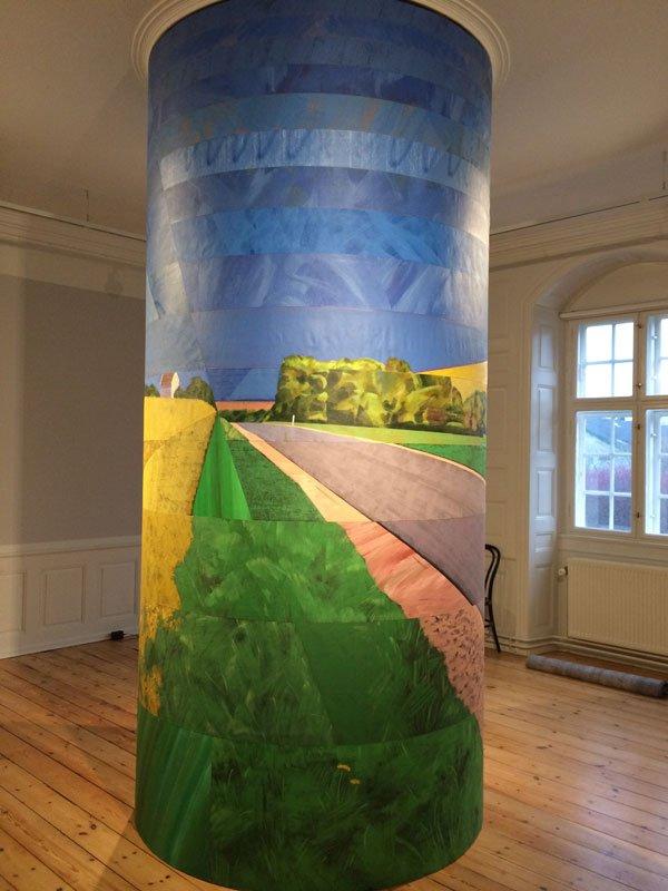 Ivan Andersen: Lige ud ad landevejen, 2014, 336 x Ø:160 cm, akryl og spray på lærred, courtesy Galleri Bo Bjerggaard.