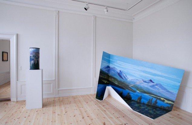 Installationsview, Parallelforbindelser. (Foto: Leà Nieslen)
