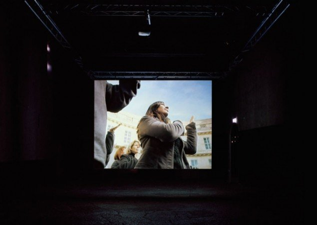 Approach. Videoinstallation, 2005 VOX, Historiska Museet, Sotockholm. (Foto: Michael Perlmutter)