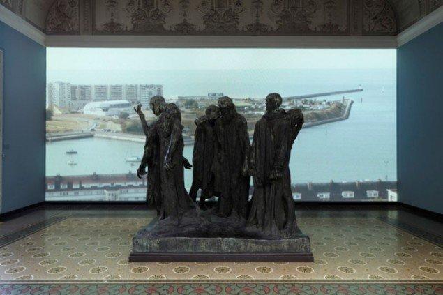 Calais. Videoinstallation, fra udstillingen Salammbô, Glyptoteket, 2010. (Foto: Anders Sune Berg)