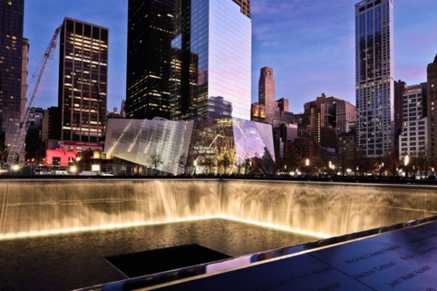 Michael Arad, 9 11 Memorial, Reflecting Absence, 2011 New York, Foto Joe Woolhead, © Joe Woolhead, Courtesy of Handel Architects LLP, New York.