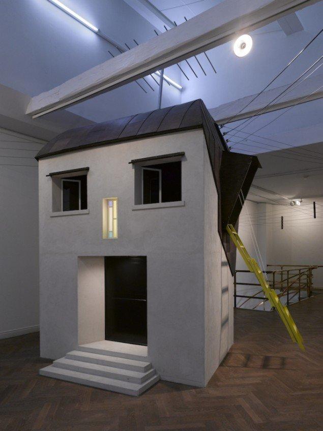 Randi & Katrine: The House in Your Head, 2008. Fra udstillingen The House in Your Head på Kunstforeningen Gl Strand, 2008. Foto: Anders Sune Berg