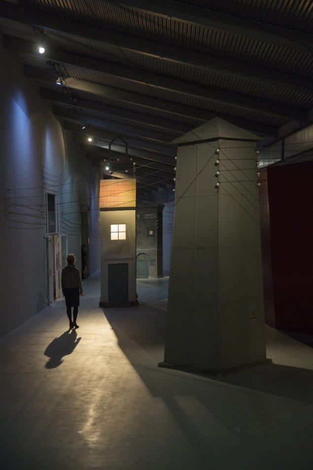 Installationsview fra udstillingen Mellem tårne på ARKEN frem til  1. nov. Foto: Torben Ekserod
