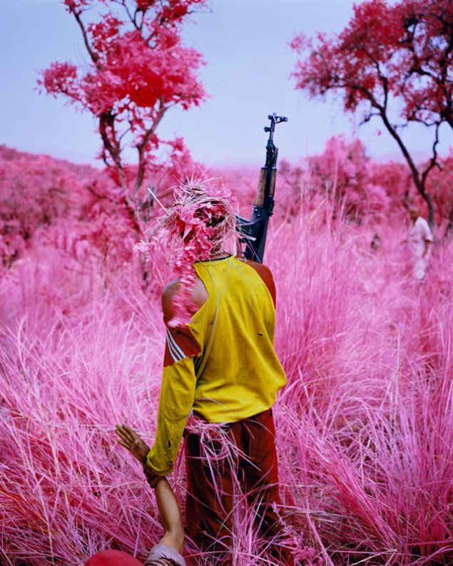 Richard Mosse: Drag, 2012. Digital c-print. (Courtesy of the Artist, Jack Shainman Gallery & carlier ǀ gebauer)