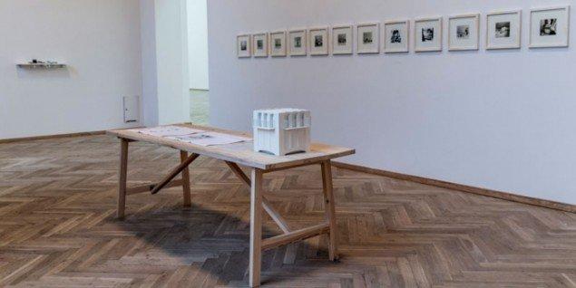 Carsten Johansen & Victor Stilling: Levering og montage alt inkl., 2014. (Foto: Marc Fluri)