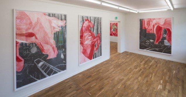 Instalationsview fra Morten Schelde: Red Horse Meditations. Foto: Kurt Nielsen