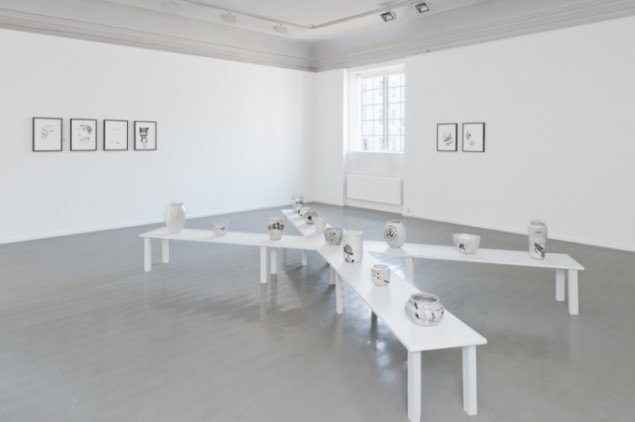 Hesselholdt & Mejlvang: Empty Urns, 2013. Installationsview fra Hunger for Aggression, Oslo Kunstforening, Oslo, Norge. Foto: Istvan Virag