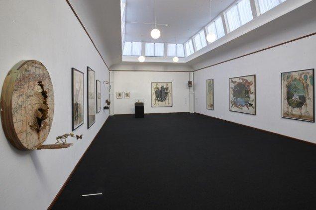 Troels Carlsen: Installationsview med At Most Phere yderst til venstre. Pressefoto