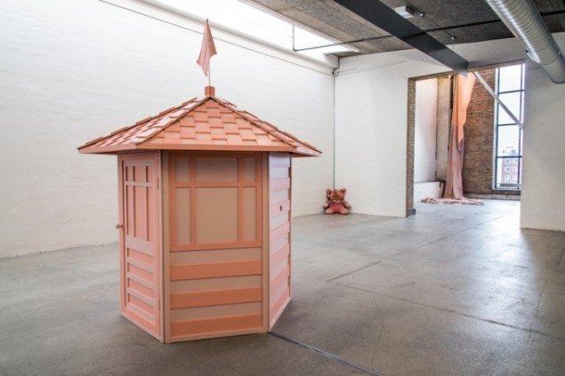 Hesselholdt & Mejlvang: White Man's Pavilion, 2015. Foto: Niels Fabæk
