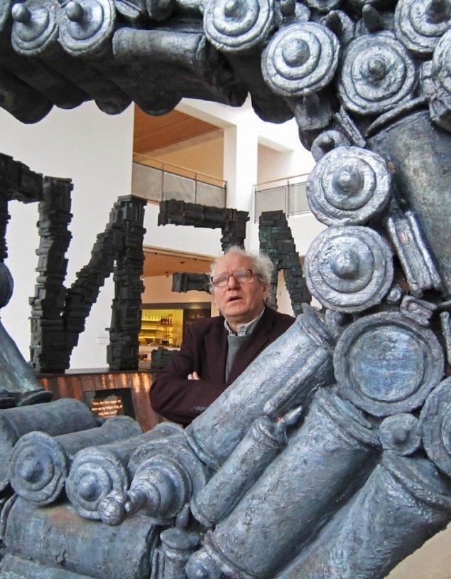 Jens Galschiøt i udstillingen ABRAHAMS BØRN på KunstCentret Silkeborg Bad. Pressefoto
