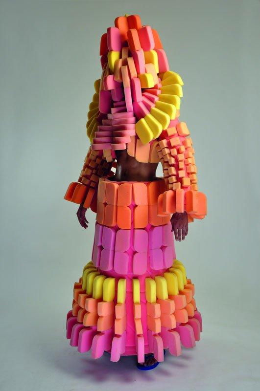 En af Vivan Sundarams farverige genbrugskreationer. Aztec Deity, 2011.