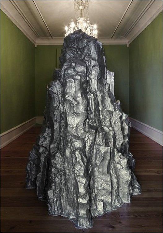 Und, und in der Ferne, 2011. Fra udstillingen Historier om et sted, Rønnebæksholm. Foto: Léa Nielsen