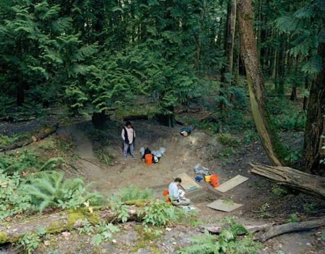 Jeff Wall: Fieldwork. Excavation of the floor of a dwelling in a former Sto:lo nation village, Greenwood Island, Hope, B. C., August, 2003. A. Graesch, Dept. of Anthropology, Univ. of California, working with R. Lewis of the Sto:lo band.©Jeff Wall
