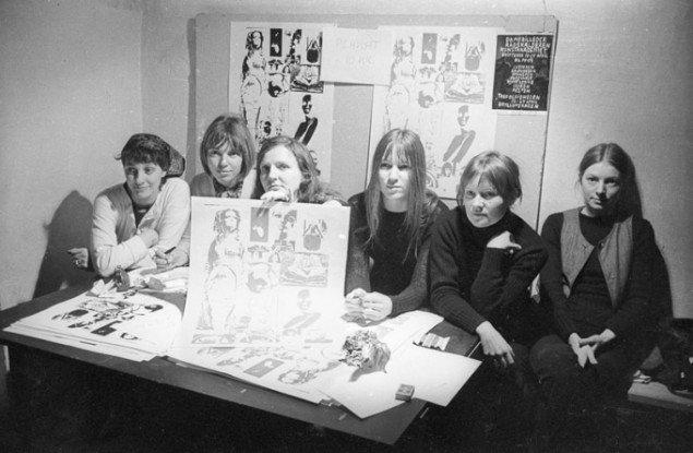 Kanonklubben: Lene og Marie Bille, Rikke Diemer, Kirsten Dufour, Kirsten Justesen, Jytte Keller, Jytte Rex og Birgitte Skjold Jensen. 1970 © Polfoto. (Pressefoto, SMK)