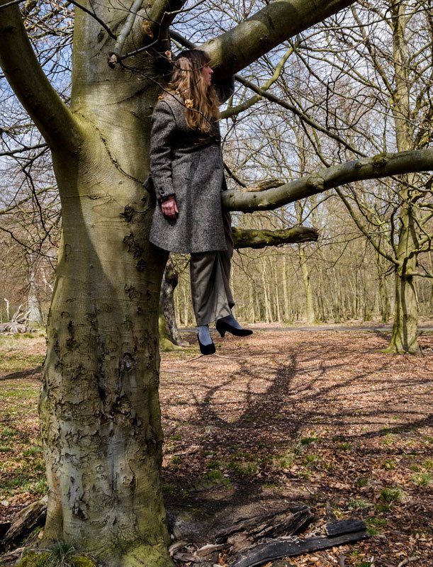 Jeanette Land Schou: Kvinder i træer, 2010.