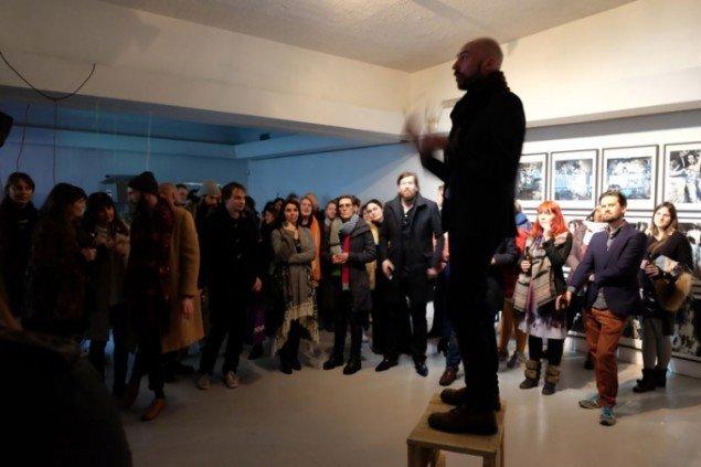 Alfredo Cramerotti under åbningen af festivalen. (Foto: Sequences)