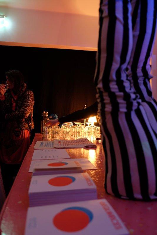 Kataloger under åbningen på udstillingsstedet Mengi i Reykjavík. (Foto: Sequences)