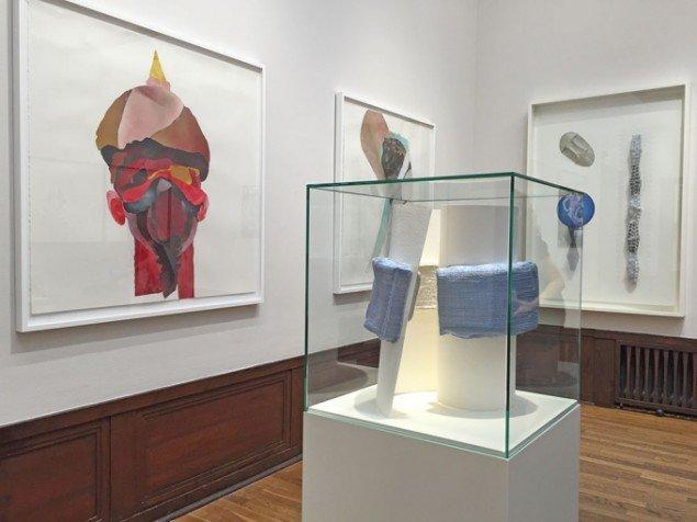 Martin Asbæk Gallery viser blandt andet skulptur af Hans Hamid Rasmussen og maleri af Clare Woods.