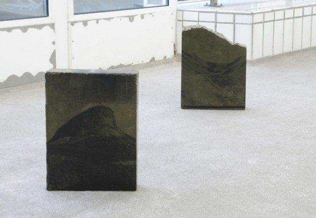 Ditte Knus Tønnesen: (til venstre) Mountain peak, downfall, zero, 2015 og (til højre) Valley road, rise, 2015. Foto: Ditte Knus Tønnesen