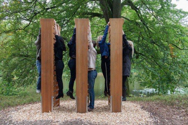 Molly Haslund: Constant Hanging, 2014, Wanås Kunstpark. (Foto: Jeanette Land Schou)