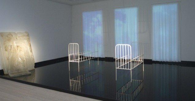 Nu bliver luften mørkere blå, 2007. Installation. Foto: Maj-Britt Boa