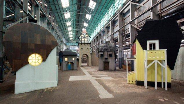 Randi & Katrine: The Village, 2014, Sydney Biennalen. (Foto: Sebastian Kriete)