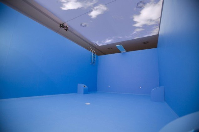 Pool, 2010. Ruminstallation på Horsens Kunstmuseum. Foto: Maj-Britt Boa & Morten Ranmar