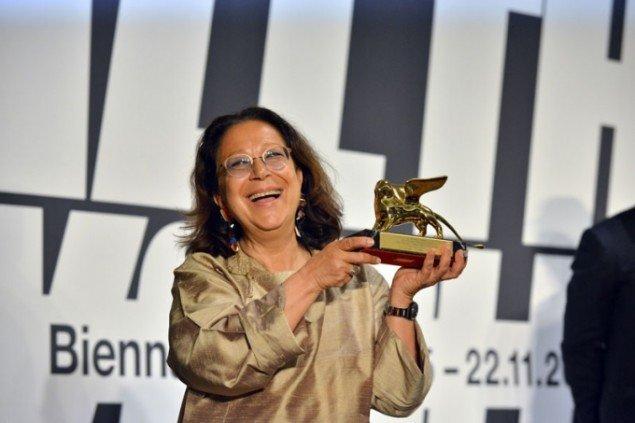 Kuratoren af Den armenske pavillon, Adelina Cüberyan, vinderen af den Gyldne Løve. (labiennale.org)