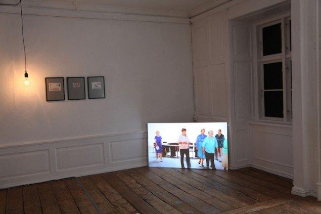 Decembers - performing a past, 2013. Installationsview, GREEN IS GOLD. Foto: Ditte Knus Tønnesen