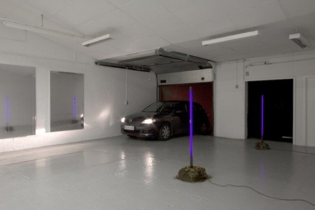 New Paintings Caught in the Headlights of Parking Cars, 2012, Ringsted Galleriet. Foto: Mikkel Carl