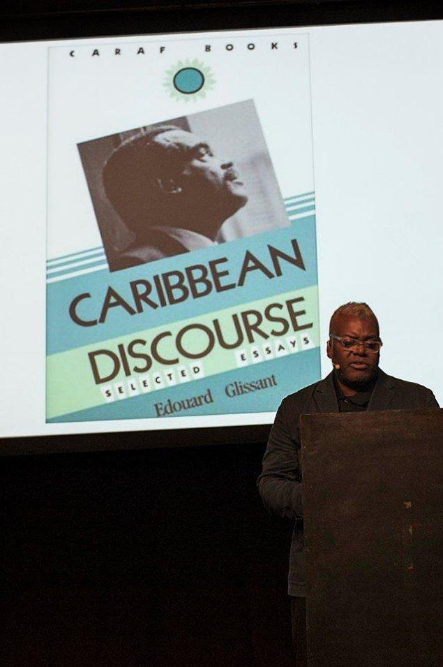 Keynote speaker Paul Goodwin holdt oplæg om kuratorens rolle i en globaliseret  verden. Foto: Frida Gregersen