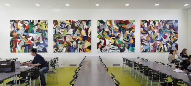 Natalie, fire sektioner, hver 220 x 255 cm, akryl og olie på lærred, 2013. N. Zahles Gymnasieskole. Foto: Anders Sune Berg