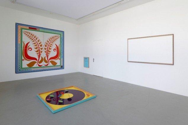 Installationsview fra udstillingen Flowers for Poul, Galleri Bo Bjerggard, 2015. Foto: Galleri Bo Bjerggard
