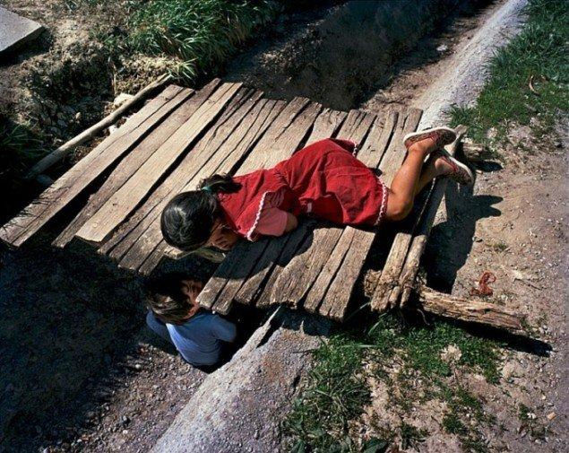 Joakim Eskildsen, fra projektet The Roma Journeys, 2000-2006. (pressefoto, KB)