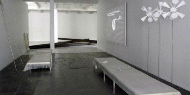 Installationsview fra udstillingens midterste rum. (Foto: Kristian Handberg)